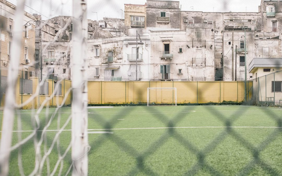 La bellezza del vuoto: i santuari sportivi di Rick Stolk
