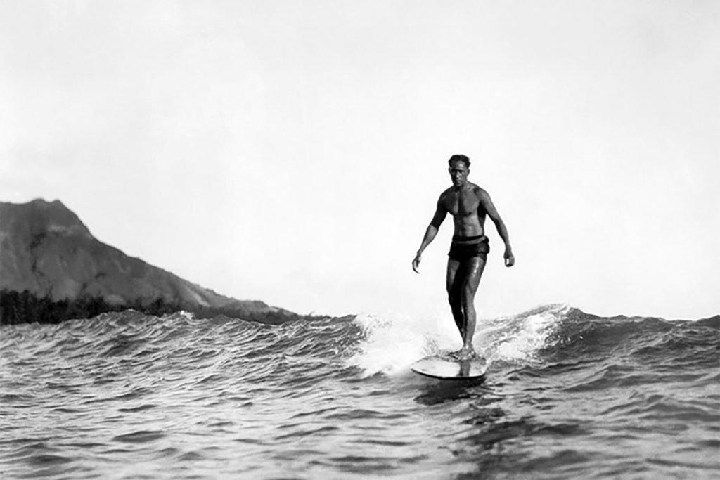 Duke Kahanomku surf