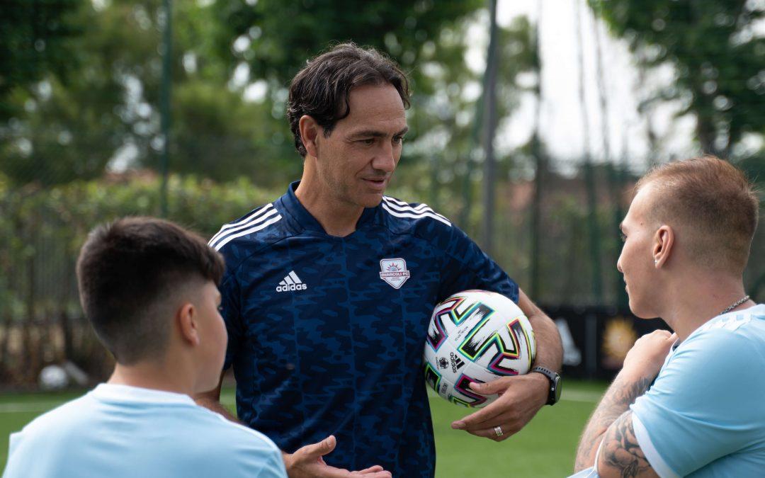 Adidas e Calciosociale: il pallone che educa